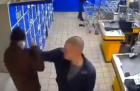 З'явилося відео бійки тітушок Ладухи в магазині АТБ